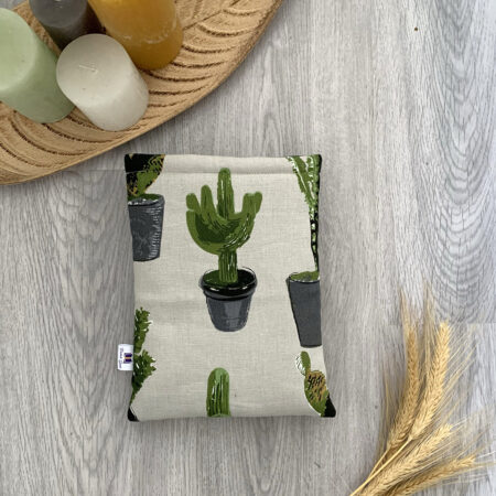 'Booksleeve Prickly Plants – Paperback'